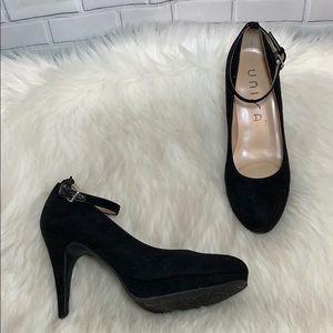 Unisa Unelinur Black Suede Ankle Strap Heels Sz 6
